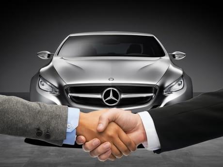 Компании предлагают аренду автомобиля